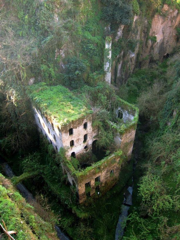 Moinho abandonado (Sorrento - Itália)