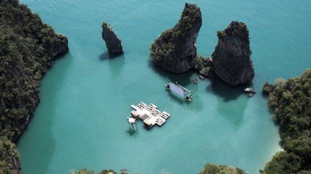 Localizado na ilha de Yao Niu, na Tailândia, esse cinema é diferente de tudo o que você já viu: um cinema sobre as águas.