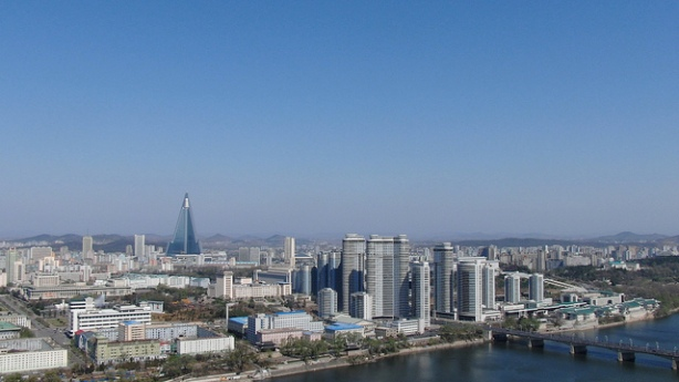 ryugyong-hotel-pyongyang-north-korea-travel-guide
